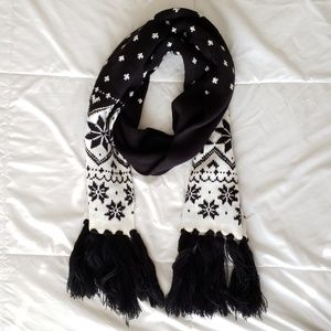 Accessories - NWOT Fair Isle Scarf